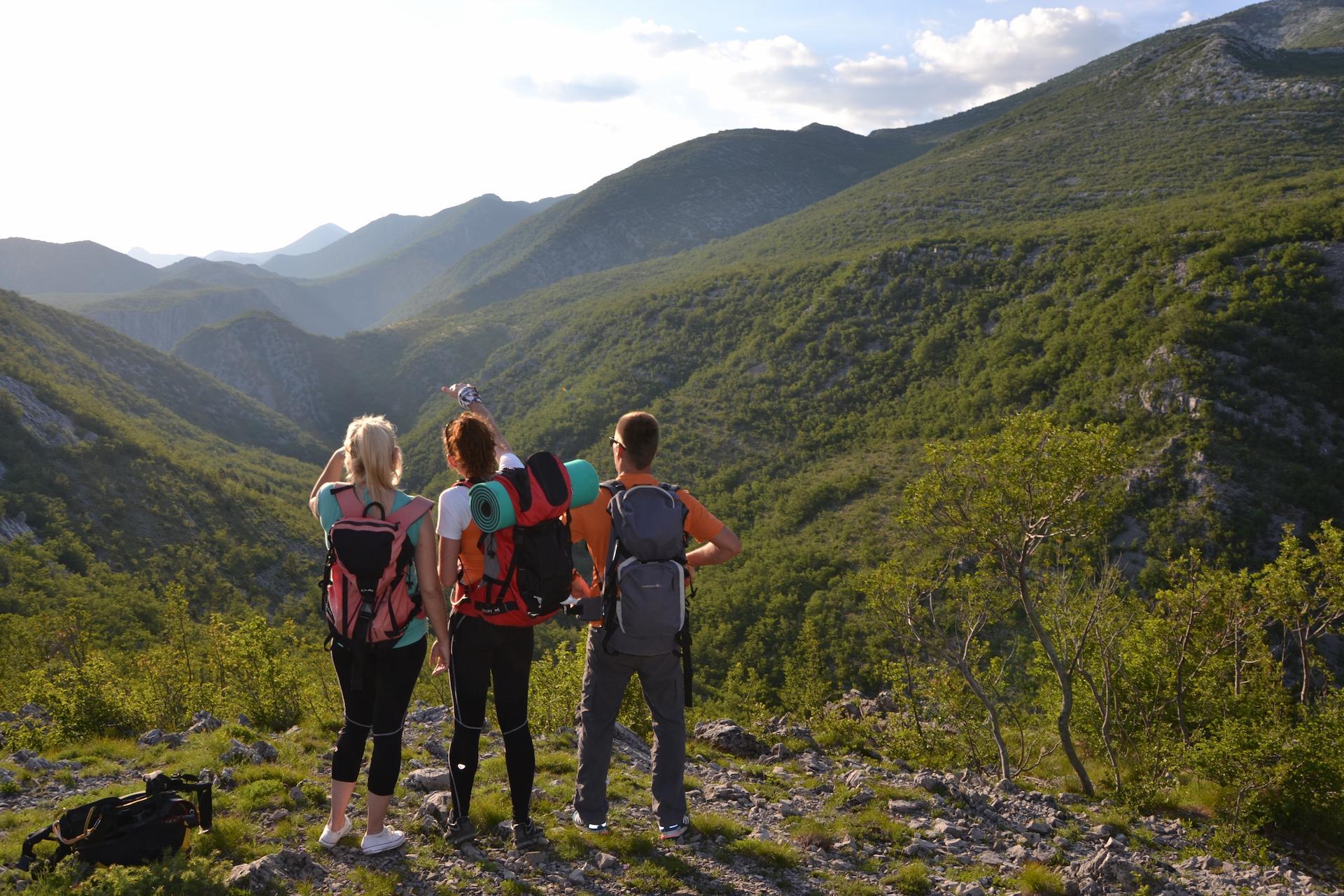 Hiking multi adventure