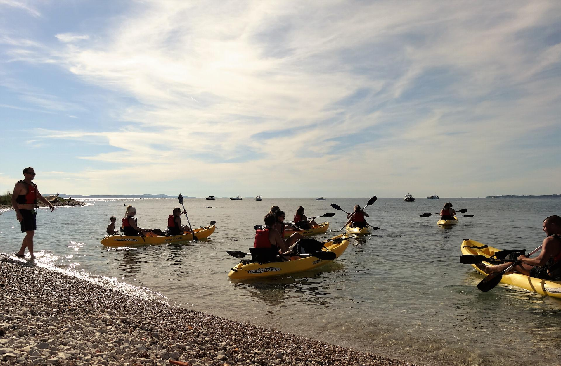 People on kayak tour.